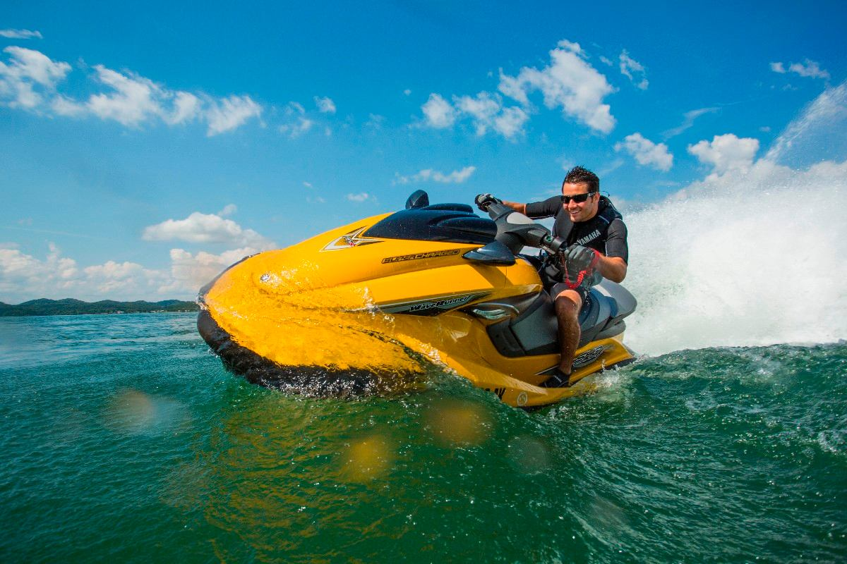 """Jet ski - Tengeri hajóvezetői tanfolyam """"B"""" engedély"""